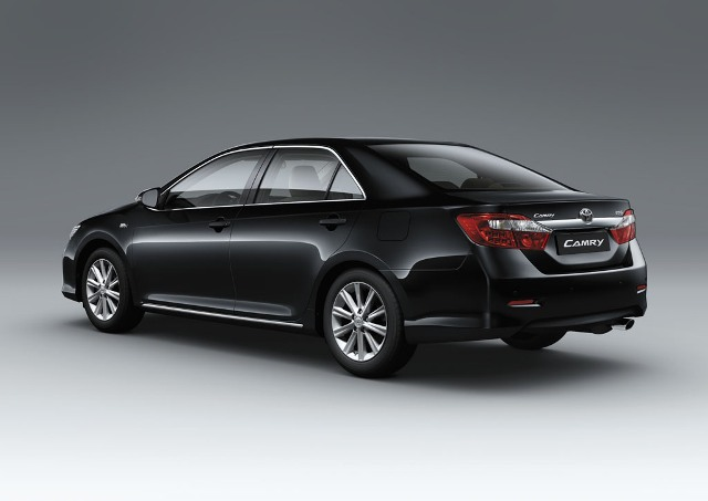 Toyota Camry Luxury Car Hire Limousine In Viet Nam